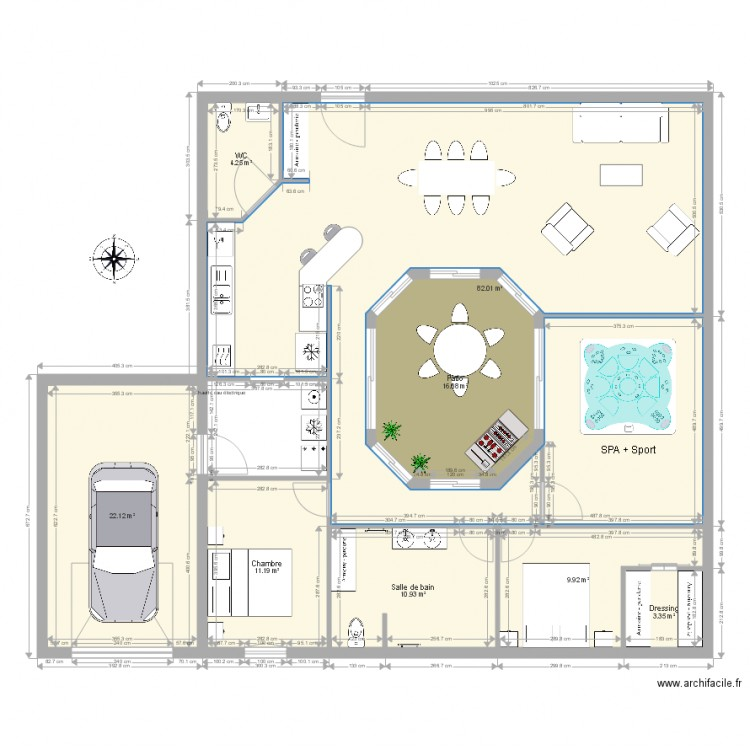 maison avec patio central plan 8 pi ces 160 m2 dessin. Black Bedroom Furniture Sets. Home Design Ideas